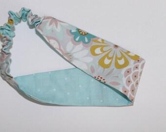 Women's reversible headband. Gray/light blue/pink/yellow