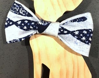 Blue Fish bow tie - nautical accessory - Dog bow tie - Cat Bow Tie - Pet Accessory