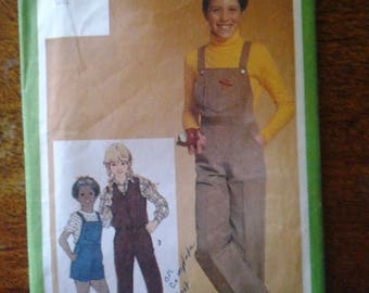 Vintage Simplicity Pattern 9725  circa 1980  size 7  girl