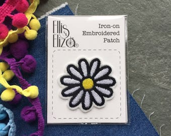 Daisy Flower Iron On Embroidered Patch - Embroidered Patches - Sew On - Wool Felt - patch game - festival - embroidered appliqué