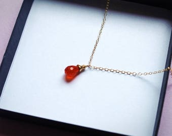 Carnelian Necklace, Carnelian Pendant, Carnelian Jewelry, Orange Necklace, Small Gemstone Necklace, Gold Necklace, Healing Chakra Necklace