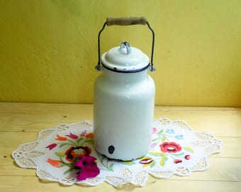 Enamel Milk Pail, Enamel Milk Cans ,  lunch pail , Enamel Milk Churn w/ Lid , enamel churn, farmhouse chic, cottage chic , Storage