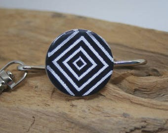 Key holder round geometric pattern