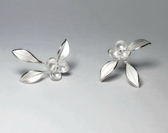 Nature-Small Flower With Leaves Silver Earrings / handmade,stud earrings