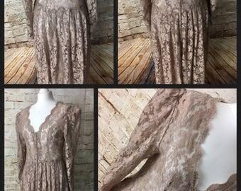 SALE! Iconic 1940's lace dress