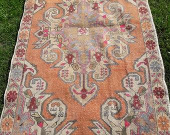 Pastel color rug, pink oushak rug, new fashion rug,entry rug,faded muted rug, oushak rug ,vintage turkish rug, 4'4x7'6 ft/137×233 cm
