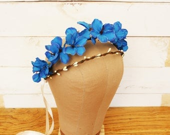 Blue plumbago and white pearls flowers crown