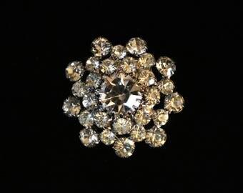 A beautiful vintage diamante brooch, c1960s, circular or flower shaped, rhinestone brooch, costume jewellery,