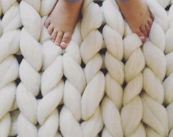 Chunky knit blanket, Merino wool blanket, Chunky wool blanket , Merino wool, Wool blanket, Arm knit blanket, knit bedspread, giant knit yarn