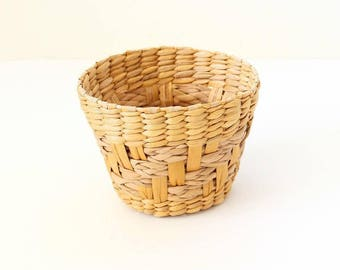 Plant Basket | Vintage Woven Basket | House Plant Basket | Basket | Rattan Basket | Reed Basket | Woven Basket | Small Basket | Planter