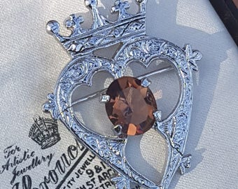 Lovely Vintage Signed DB Jewellery Celtic Luckenbooth Sweetheart Brooch