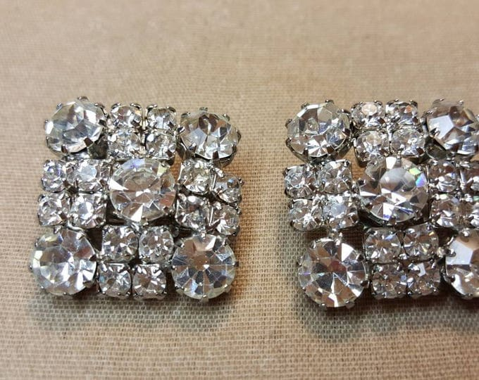 Vintage Weiss Square Clear Crystal Sparkle Rhinestones Earrings Clip-ons Signed