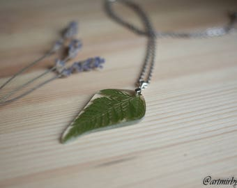 Fern necklace Real pressed flower in resin Pressed flower jewelry Viola flower pendant Nature jewelry Botanical necklace Gift for her