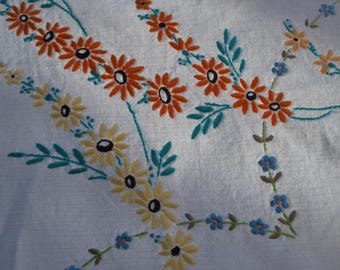 Vintage Embroidered Daisy and Forget-Me-Not Tablecloth