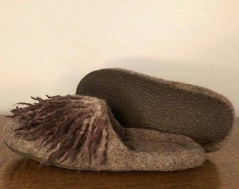 Brown slippers, Slippers with sole, Hygge slippers, Felted footwear, Slide slippers, Chrismas gift, Slipper paw, Cozy shoes for home