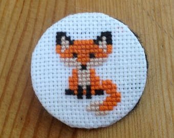 "Tiny Fox 1"" embroidered pin"