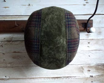 Retro 1970 Flat Cap Vintage Newsboy cap 70s checked men's hat olive green and tweed, Made in France 58cm