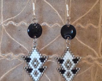 Pearl Miyuki 11 peyote stitch silver hook earrings