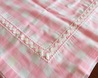 Vintage Pink White Gingham Checked Rick Racked Table Cloth