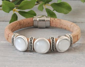 Cork Leather bracelet with 3 polaris Cabochons