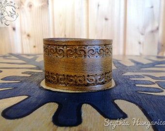 Leather bracelet with ancient nomadic pattern