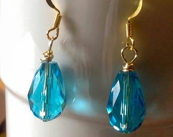 Wire wrapped tear drop earrings