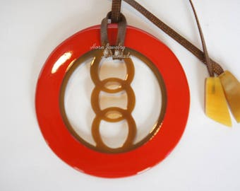 Aurora Red color lacquer pendant by genuine horn material