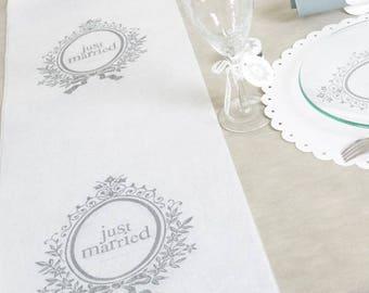Lot de 2 Chemins De Table Blanc Just Married 5mx30cm Pas Cher