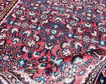 Fawzia - Lilihan Persian Carpet