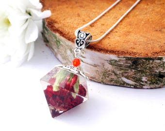 Red carnation resin necklace