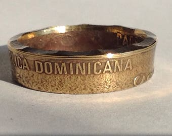 Dominican Republic Coin Ring...2002 Coin.......Size 9 1/2