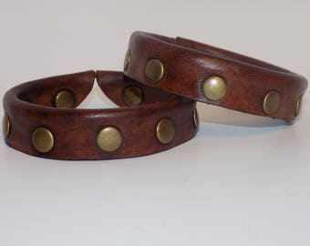 Brown leather studded bangle - Brown Leather Bracelet - Women's Leather Bangle - Men's Leather Bangle - Leather Jewelry -Adjustable Bracelet
