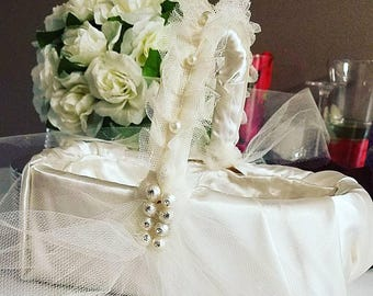 Flower girl basket in satin and pearls