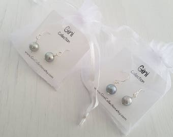2x platinum grey freshwater pearls silver earrings. Bridesmaid gift. Best friends gifts