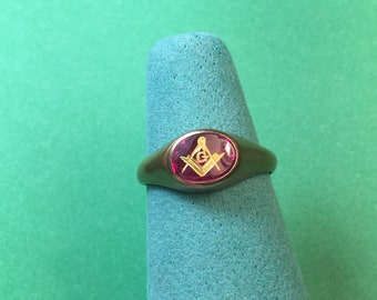 Vintage Woman's 10Kt Blue Lodge Masonic Faternal Ring / Size 5, 5 x 7mm  Very Nice Condition #BCEB-617