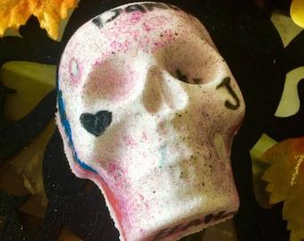 MadCrazyLove Bath Bomb | Joker and Harley Quinn | Bath Bomb | Bubble Bar | Skull Bath Bomb | Halloween Bath Bomb | Bath Bombs