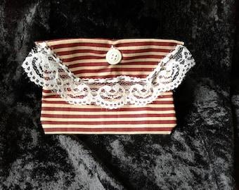 Victorian Pouch