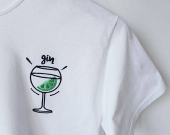 Embroidered unisex classic Gin Tshirt in white