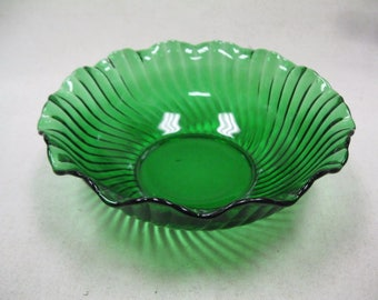Vintage Emerald Green Glass Serving Bowl Ruffle Ribbed Swirl Fluted Candy Dish