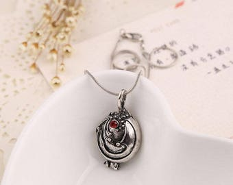 Vampire Diaries Elena Gilbert Antique Silver Locket Pendant Necklace