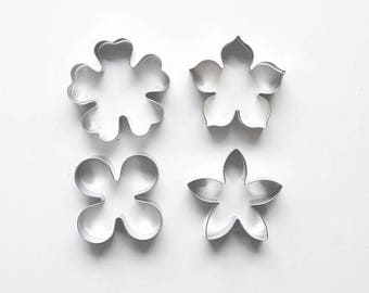 4pcs/Set Flower Cookie Cutters - Floral Fondant Biscuit Mold - Pastry Baking Tool Set