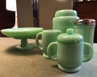 Vintage Seafoan Green Jadeite Table Set
