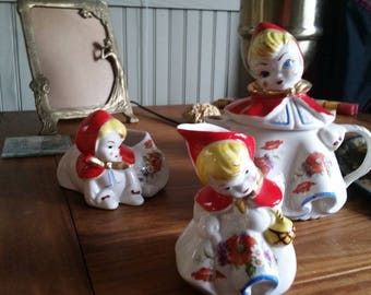 Hull Red Riding Hood Teapot set with creamer and sugar