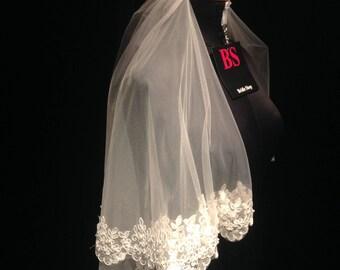 Lace Wedding Veil, Lace Mantilla Veil, Chantilly Lace Veil, Unique Veil, Fingertip Veil, Waltz Veil, Drop Veil, beading Lace Wedding Veil