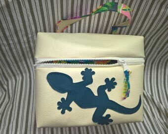 """Salamander"" faux leather toiletry bag"