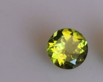Natural 9.2 mm Round Green Peridot Faceted High Quality Gemstones-AAA Peridot 2.70 ct