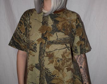 Vintage 90s Green and Brown Camo Woods T-Shirt Size S/M FREE SHIPPING