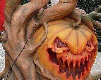sleepy hollow pumpkin tree from ghost train ride working