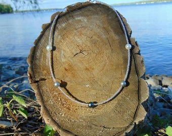 Metallic black, gray and white pearl necklace