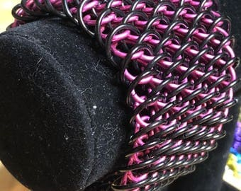 Dragonscale chainmail bracelet